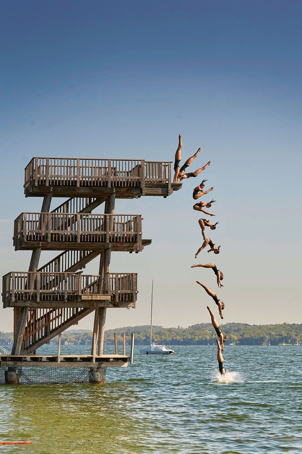Photomontage of a jump sequence by Iris Schmidbauer at Ammersee